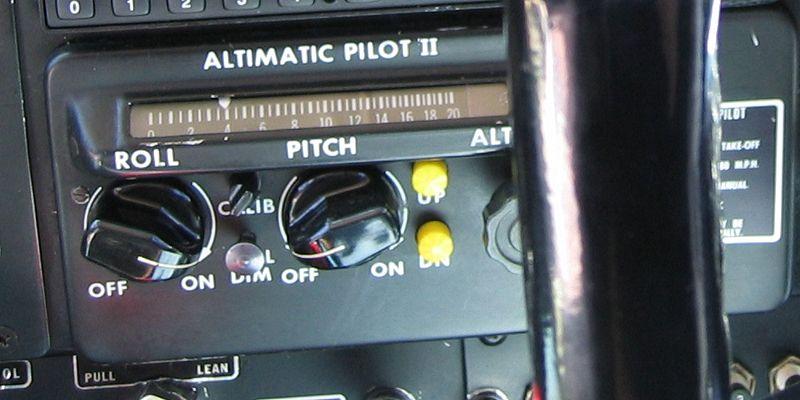 Autopilot control in a small plane