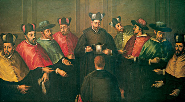 The ancient ceremony of bestowing Complutense's University's doctoral biretta.