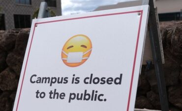 Campus closed due to COVID sign