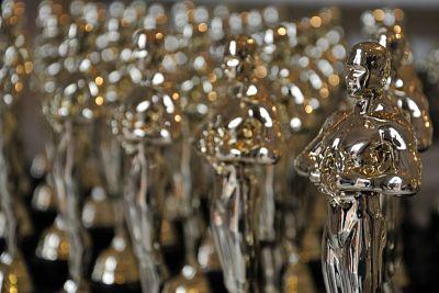 Fake Oscar statuettes
