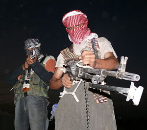 Iraqi_insurgents_with_guns_opt