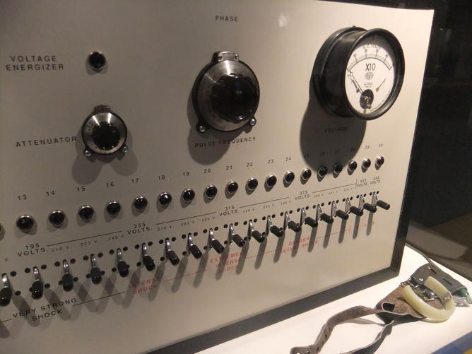 Milgram's machine
