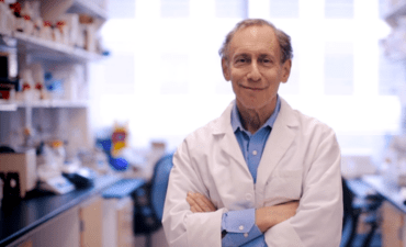 Robert Langer in his lab