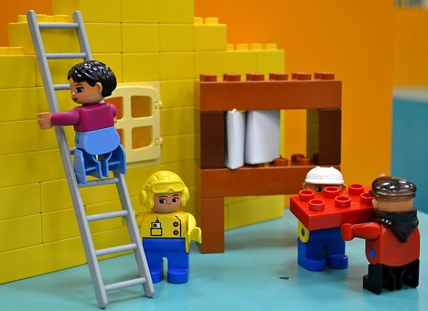 Lego figures working